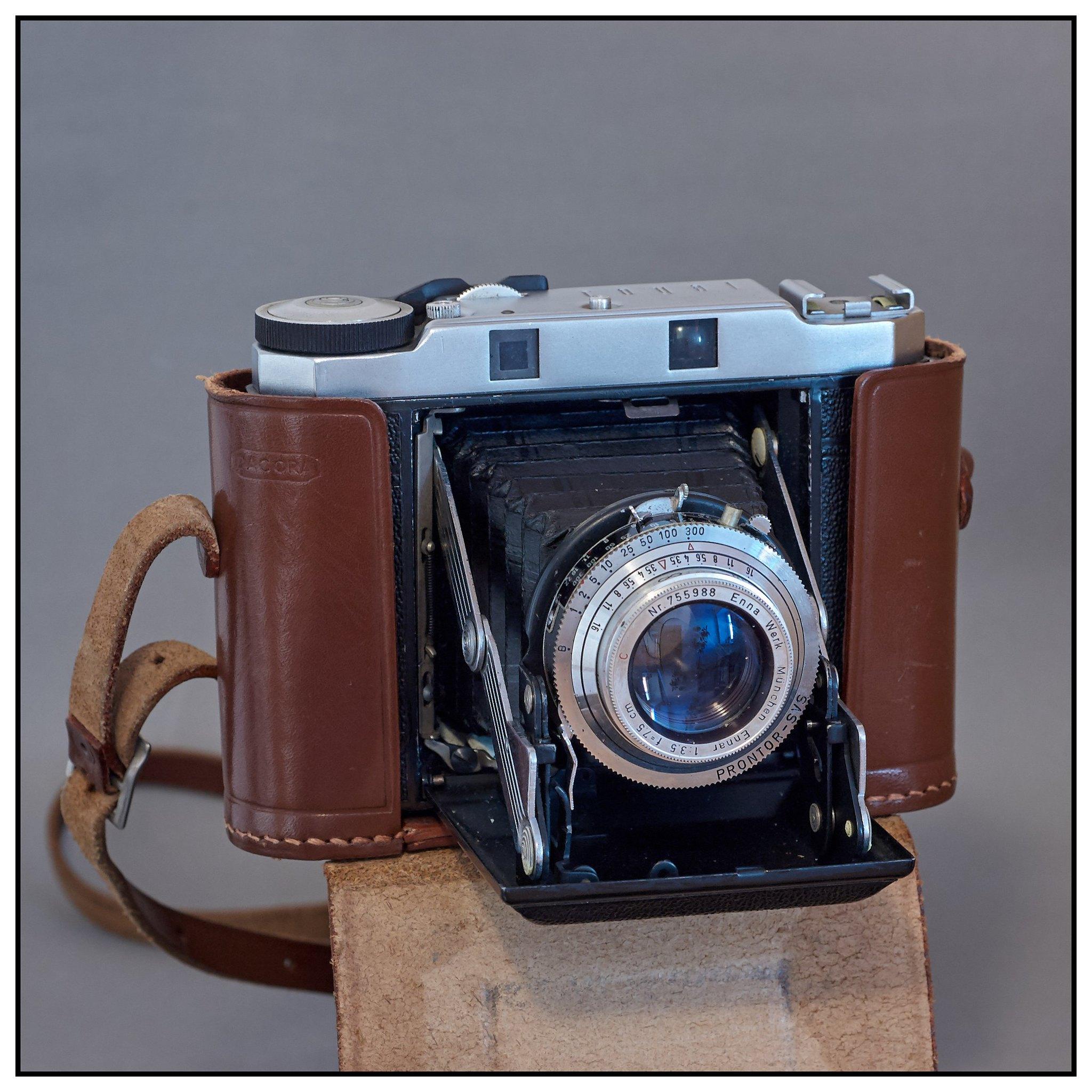 Dacora Royal confusion | The Camera Collector