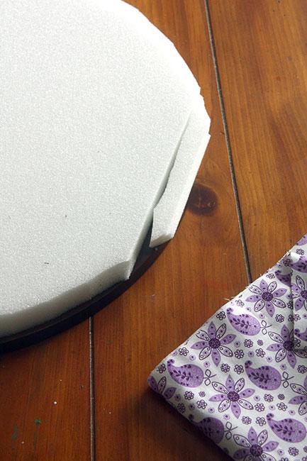 Cut-Foam-to-fill-in-corners
