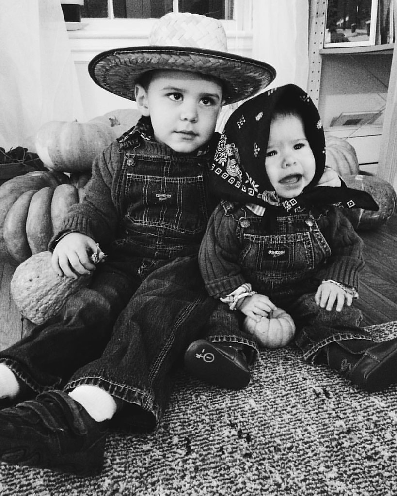 Happy Halloween everyone! #happyhalloween #halloween2015 #instaluther #instasinclair #costume #farmers #children #childhood