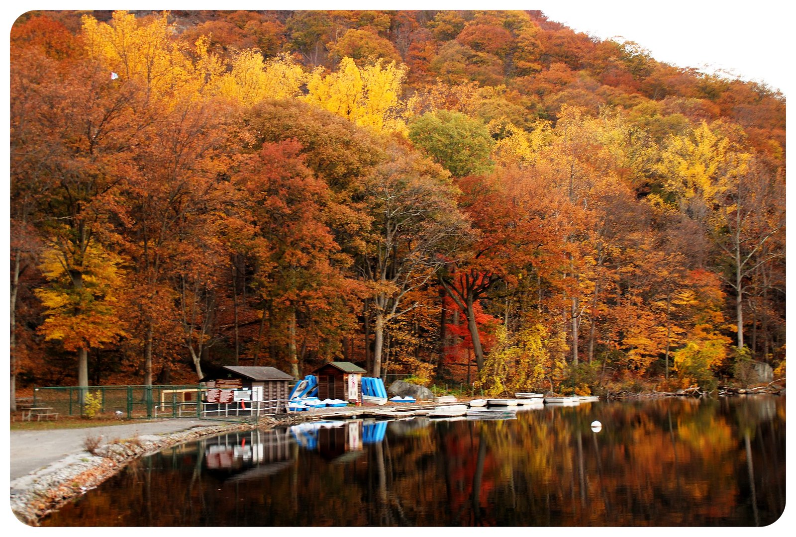 bear mountain lake new york autumn