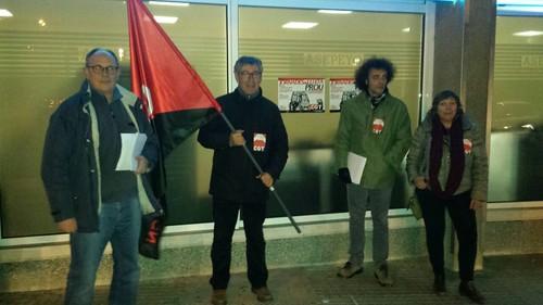 Concentració a Vic davant mútua Asepeyo de CGT dins la jornada de lluita en contra de les altes injustificades