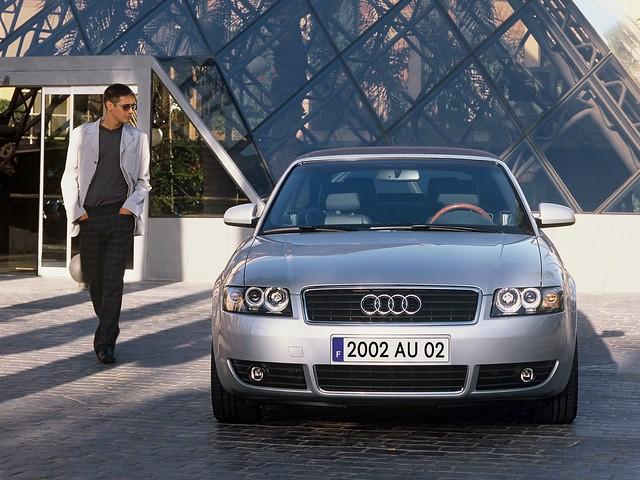 Седан D класса Audi A4. 2003 год