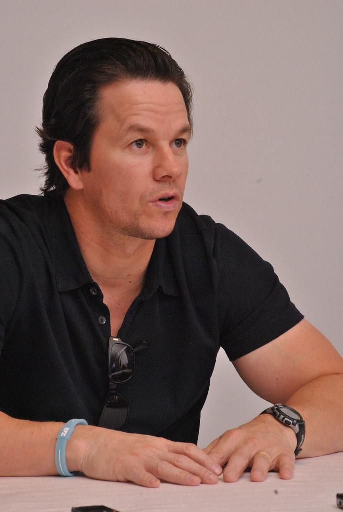 Марк Уолберг — Пресс-конференция «Игрок» 2014 – 23