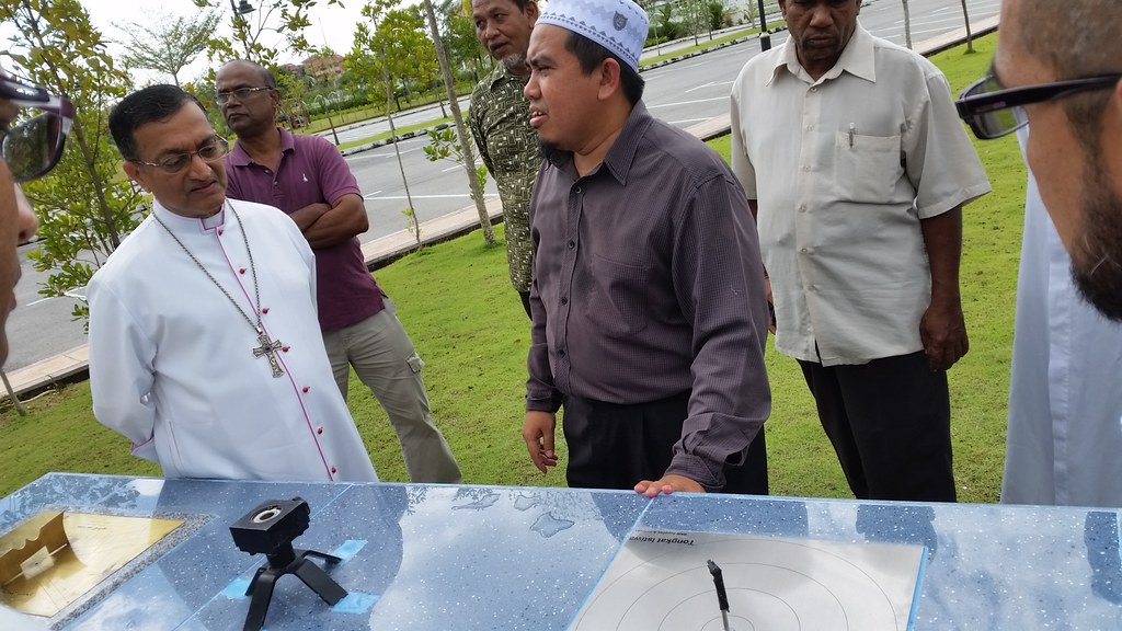Abdullah Fahim Mosque hosts visit by Christians