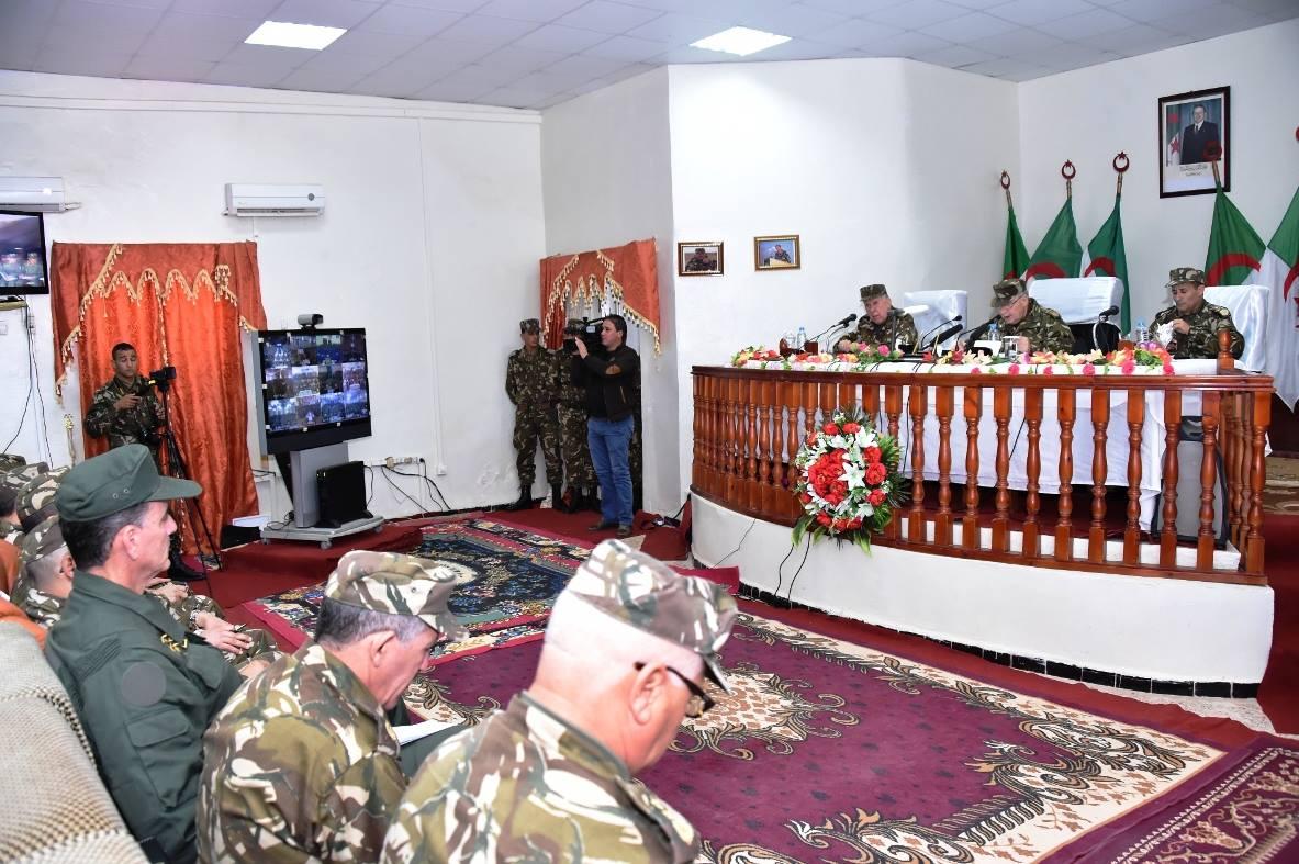 الجزائر : صلاحيات نائب وزير الدفاع الوطني - صفحة 5 30899328545_523d194f88_o