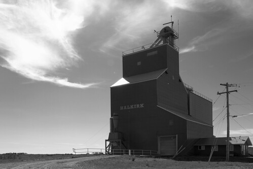 canada farm farming alberta agriculture prairies grainelevator halkirk ruralalberta woodengrainelevator