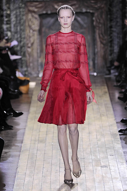 Valentino-Couture-2011-red-dress