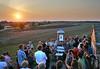 Abschied bei Sonnenuntergang am Kalvarienberg. Foto: Cornel Gruber