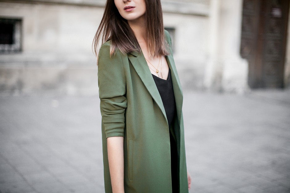 army-green-coat-outfit