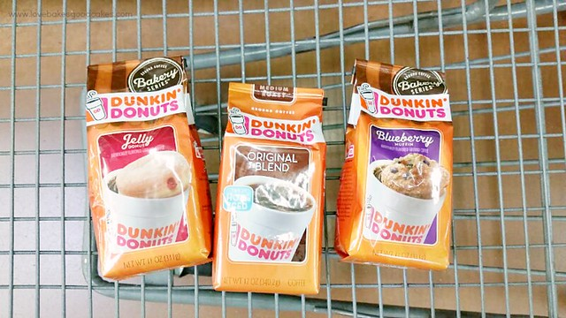 This is the perfect gift idea for all of the coffee lover's on your gift list! With Dunkin' Donuts® coffee and an assortment of coffee cups and/or treats, it's an easy gift idea all year long! #DunkinToTheRescue #ad