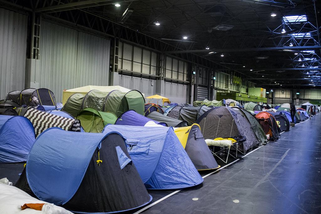 i56 - Indoor Camping