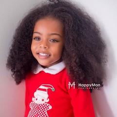 De joyeuses fêtes de noël dans l'amour et la tendresse #jilany #portrait #happymanphotography #guadeloupe #curly #socute #jefonds #curly #ig_caribbean #nappy #activilong #activilongAddict #curlynatural #GoCurls #Healthy_hair_journey #naturalHairLoves#chri