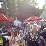 Sunshine in Charlotte Square Gardens | Visitors enjoy the sunshine in the Gardens © Helen Jones