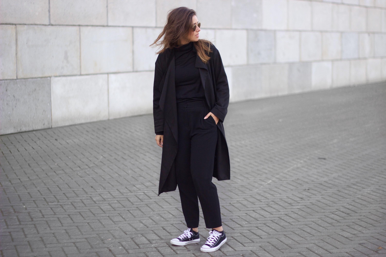 Combination-black-monochrome-clothing-pieces