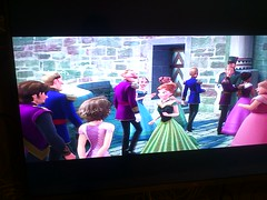Rapunzel and Flynn Rider appear in Frozen! O.O