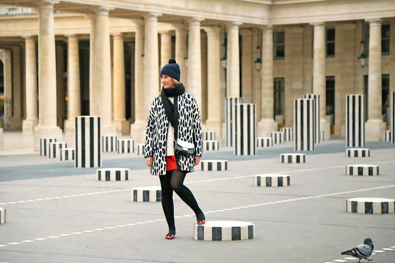 veste longue imprimé léopard noir et blanc