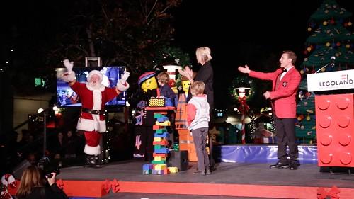 Full Tree Lighting Ceremony with Jenna Elfman12