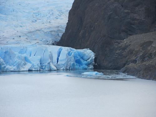 Torres del Paine: trek du W. Jour 5: un morceau du glacier Grey s'est détaché hier.