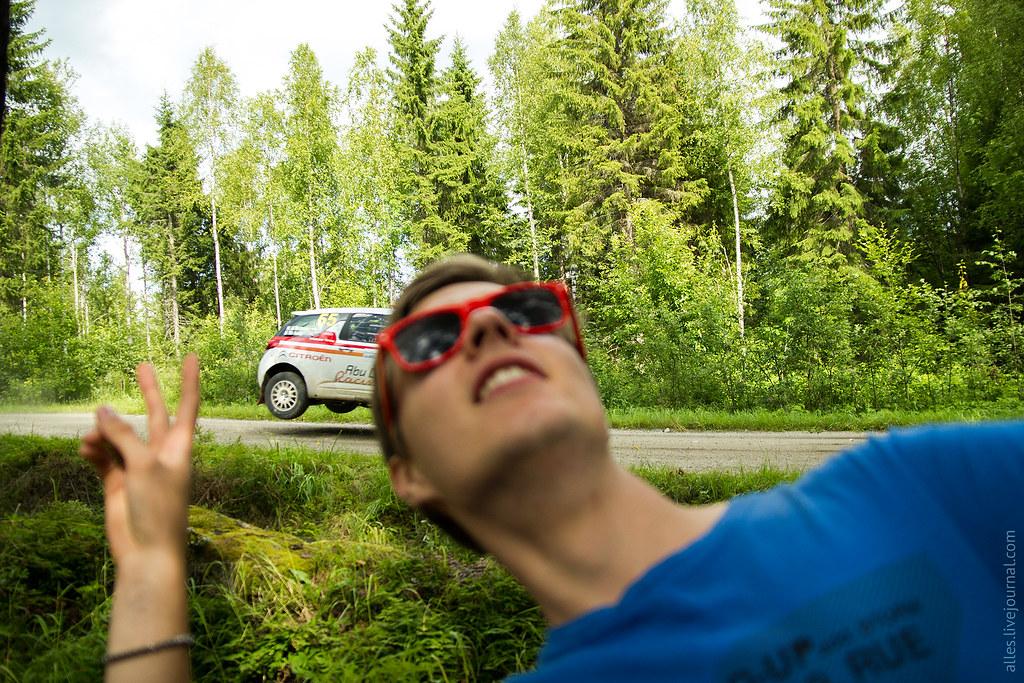 RallyFinland2015-Mokkiperra_65_photobomb