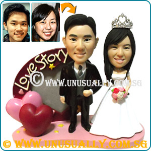Custom 3D Love Frame Wedding Couple Figurines - © www.unusually.com.sg