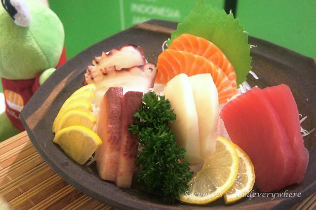 3.Sakae sushi 18 awesome years