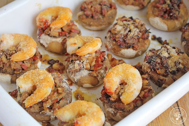 Champiñones rellenos bacon y langostinos www.cocinandoentreolivos.com (1)
