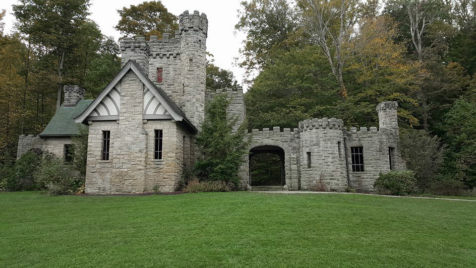 Squire Castle 02 - North Chagrin Reservation - Cleveland Metroparks.jpg