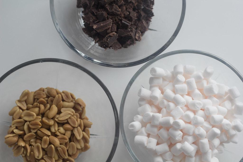 Brownie med skumfiduser og peanuts (8)