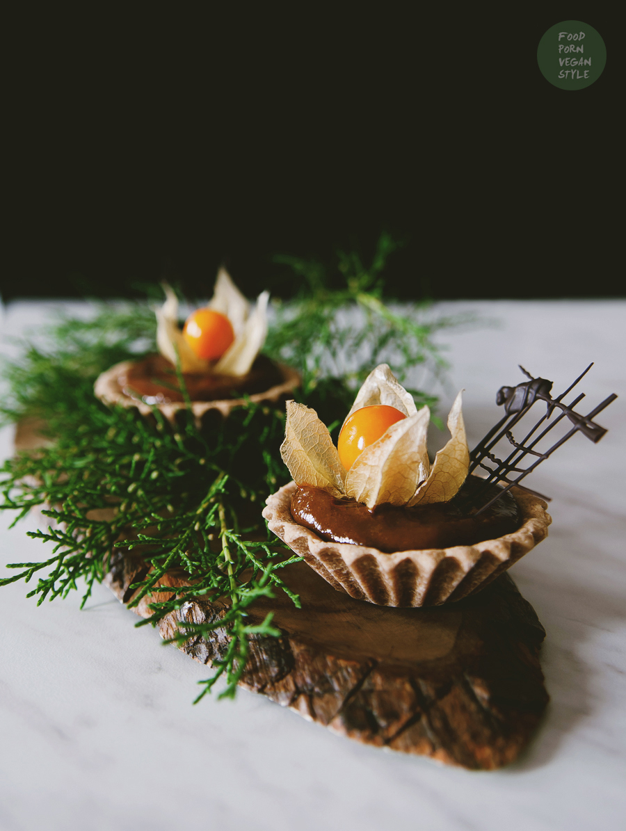 Chestnut tartlets with sea buckthorn mousse (vegan & gluten-free)