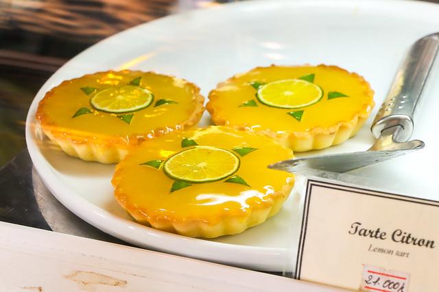 Lovely lemon tarts in Luang Prabang, laos ルアンパバーン、オシャレなカフェのレモンタルト