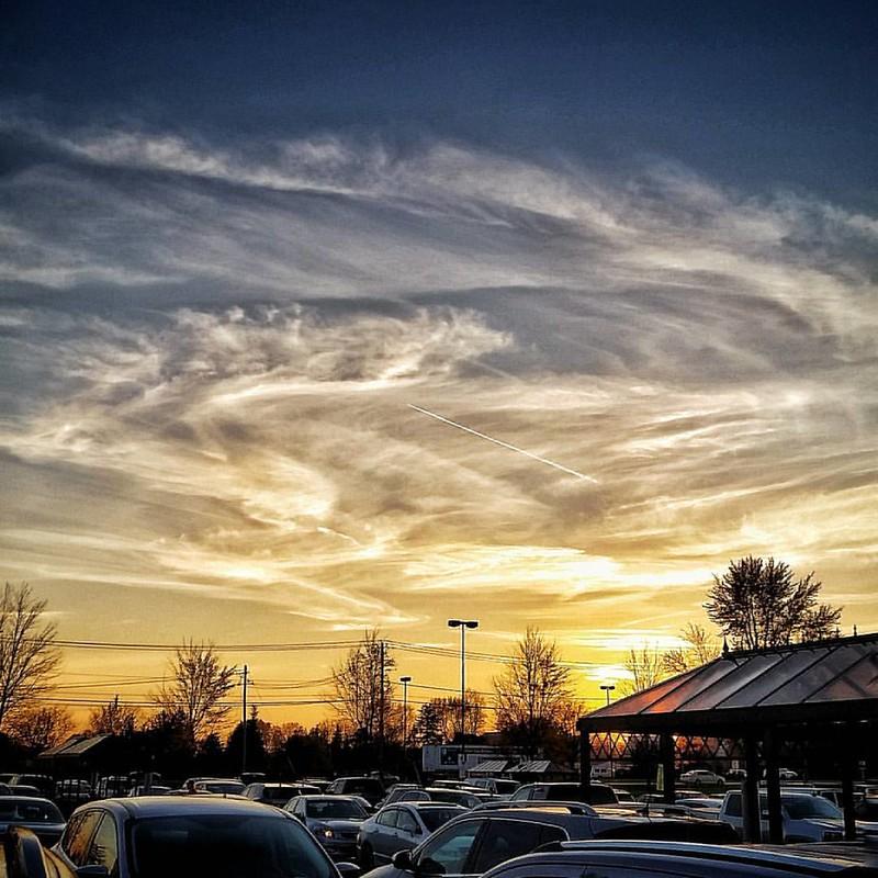 Parkinglot skies #parkinglot #urbanlandscape #urbex #suburbs #buffalo #BuffaloNewYork #ilovewny #iloveny #RiseBFLO #igersbuffalo #newyork #explorebuffalo #fall #autumn #hashtagstepoutbuffalo #sunsets #goodevening