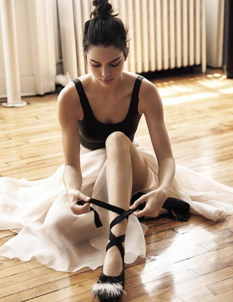 Кендалл Дженнер — Фотосессия для «Vogue» ES 2016 – 11