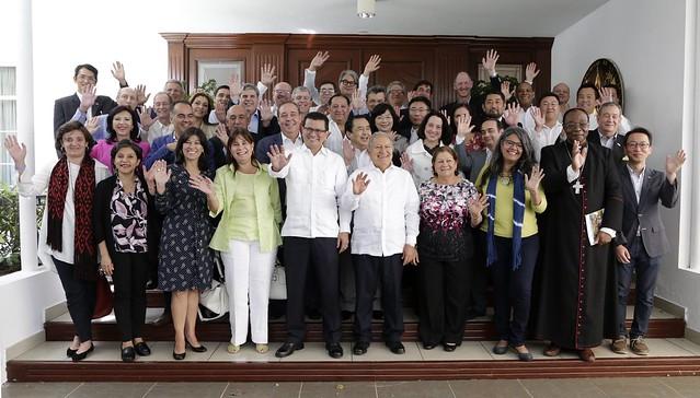 Casa Abierta con socios de cooperación para el desarrollo.