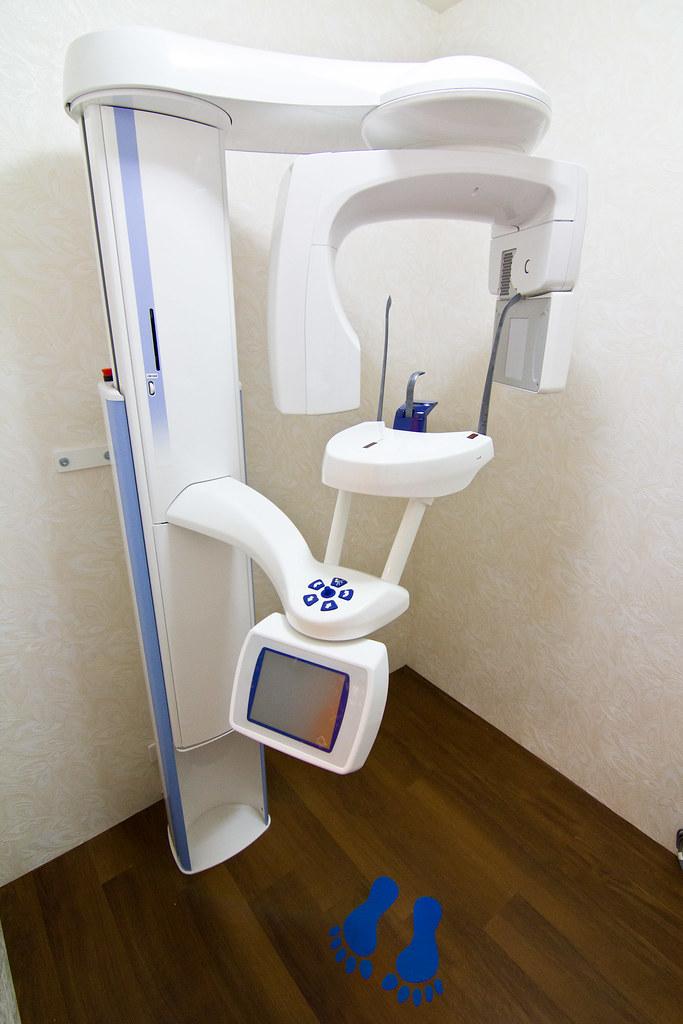 舒適如家的牙醫診所-帶爸爸到高雄人本自然植牙_全口3D電腦斷層掃描3