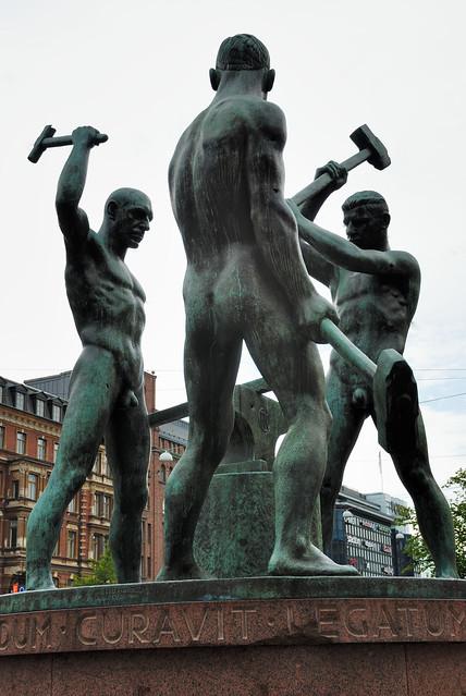 "Helsinki ""kolme seppä"""