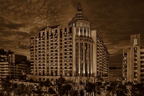 Loews Miami Beach Hotel, 1601 Collins Avenue, Miami Beach, Florida, U.S.A. / Architect: Nichols Brosch Sandoval & Associates, Inc. / Completed: 1998