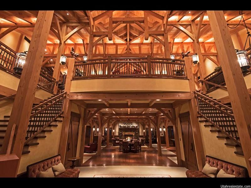 Очень красивый деревянный дом в Юте