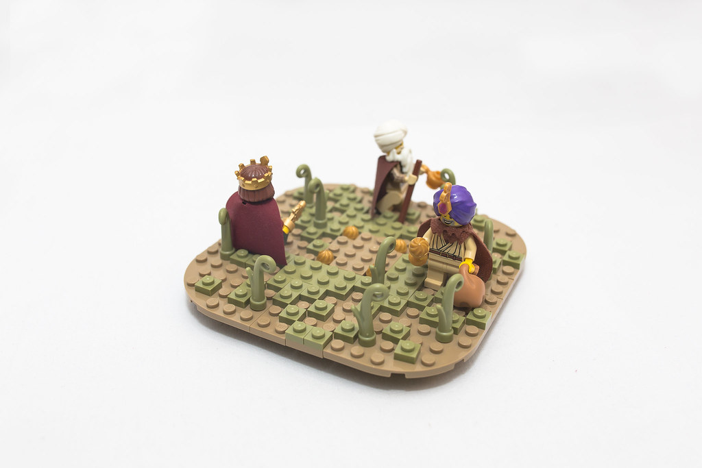 [BuildtheBrick #2]: Weihnachtspyramide 23579093600_c5fc60d5be_b
