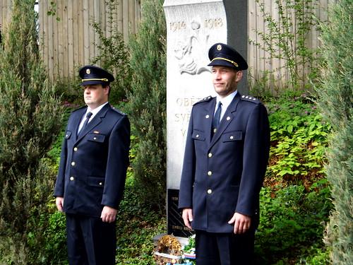 2012 - Kladení věnce k pomníku padlým