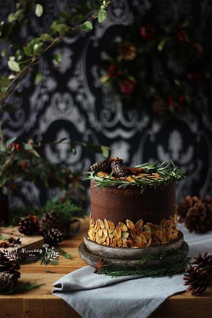 Cake by Megasilvita