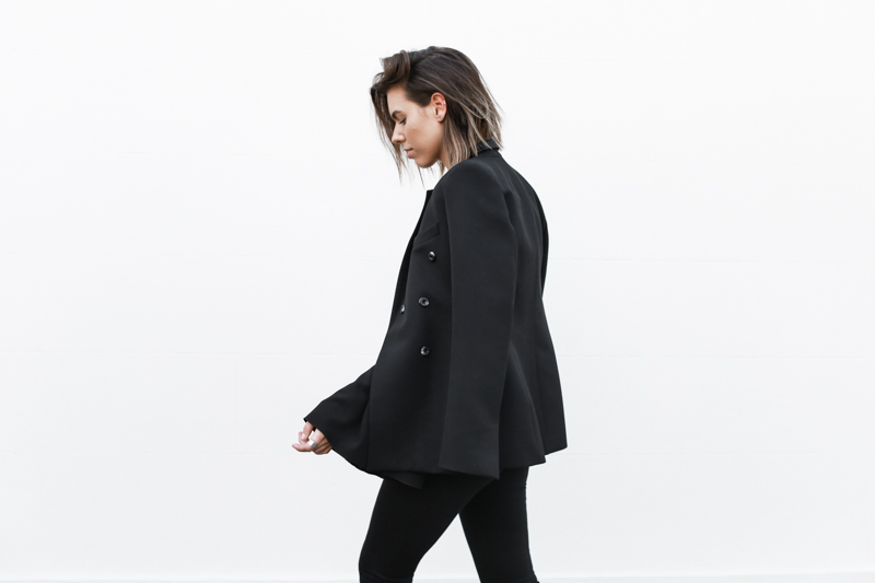 J Brand black skinny jeans, Ellery tuxedo blazer, all black, minimal, modern legacy, fashion blog (1 of 1)