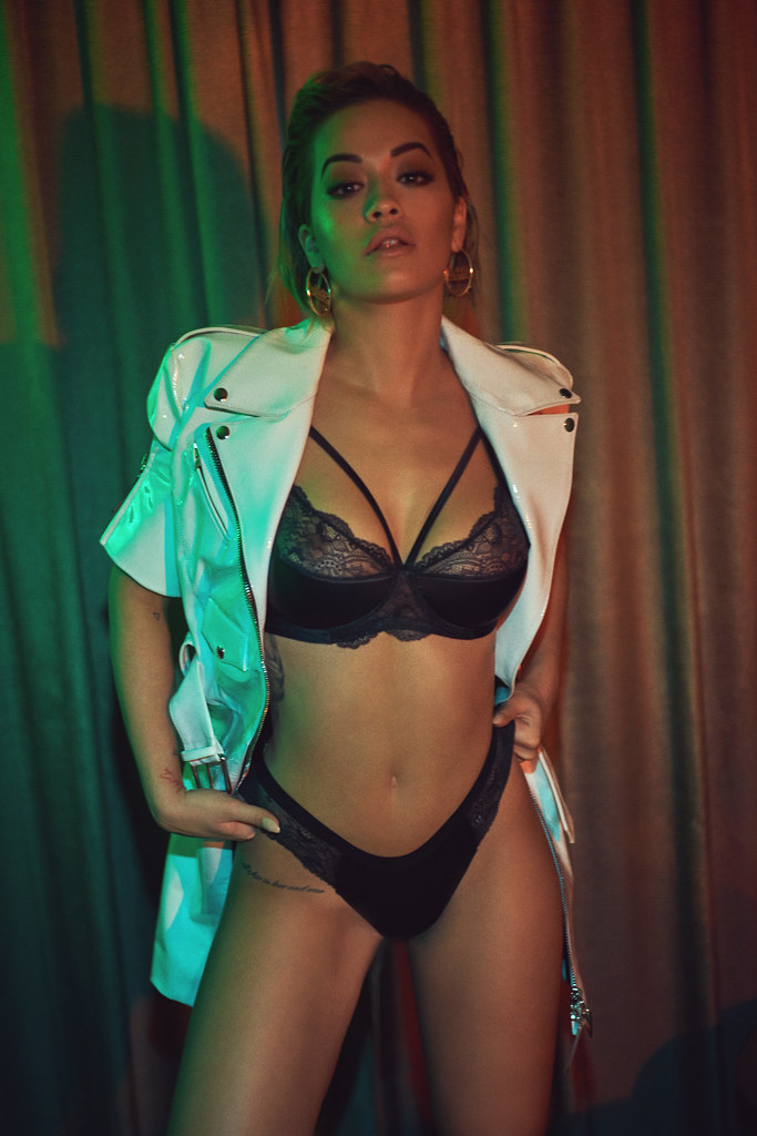Рита Ора — Фотосессия для «Vanity Fair» IT 2016 – 14