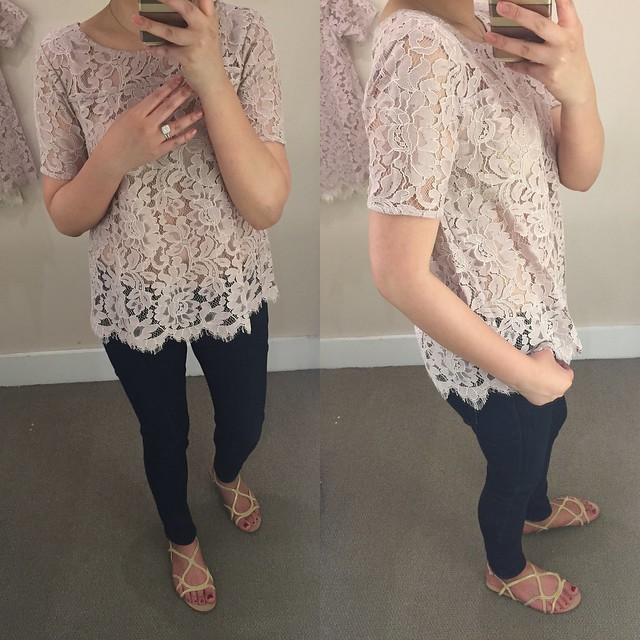 LOFT Lace Tee in lilac shaddow, size XSP