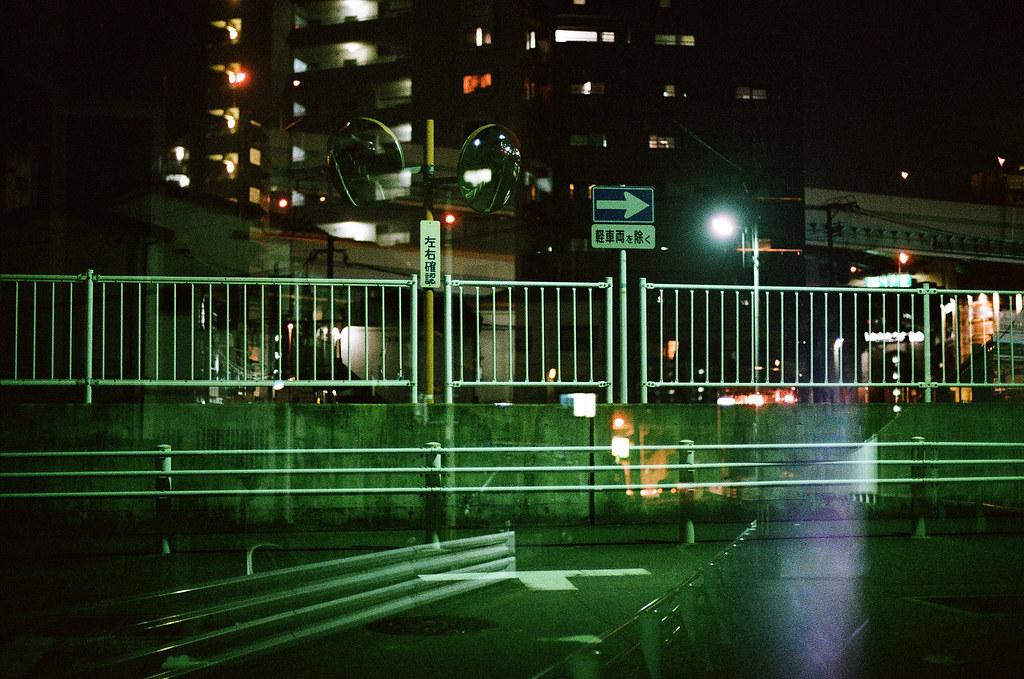 博多 福岡 Fukuoka 2015/09/02 回到我住的地方附近,拍一張重複曝光的畫面。  Nikon FM2 / 50mm AGFA VISTAPlus ISO400 Photo by Toomore