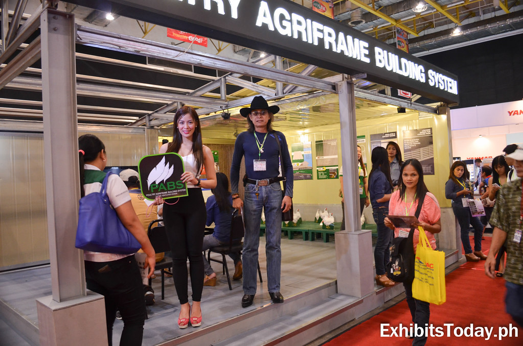 Poultry Agriframe Building System Exhibit Booth