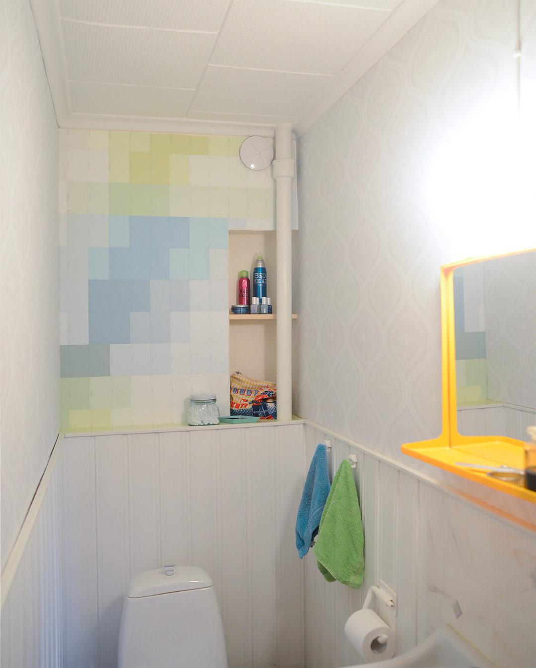 Paint chip wallpaper DIY by Jutta Rikola for Unelmien Talo&Koti magazine