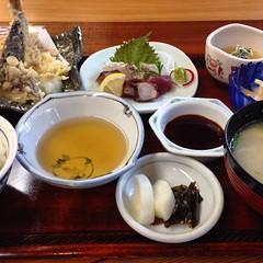 天ぷらと刺身御膳 お昼のタイムランチ 1450円也