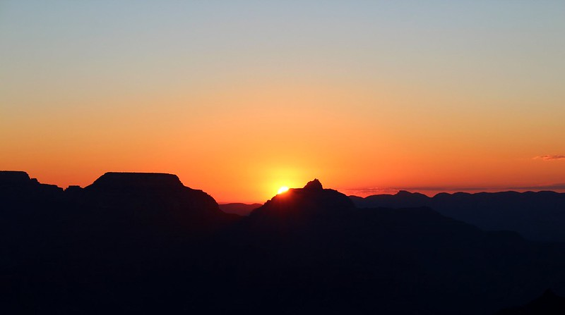 Sunrise at Grand Canyon NP