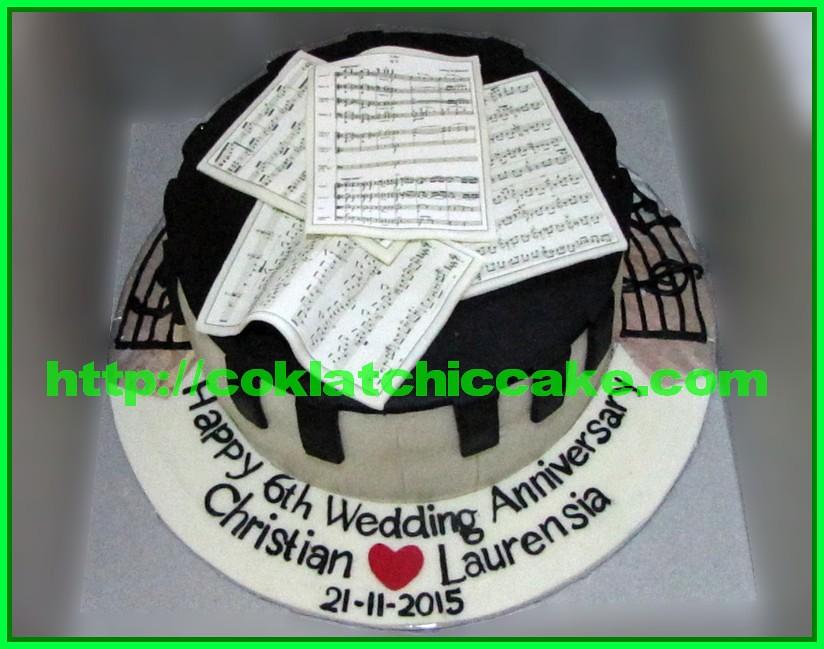 Cake Anniversary Piano