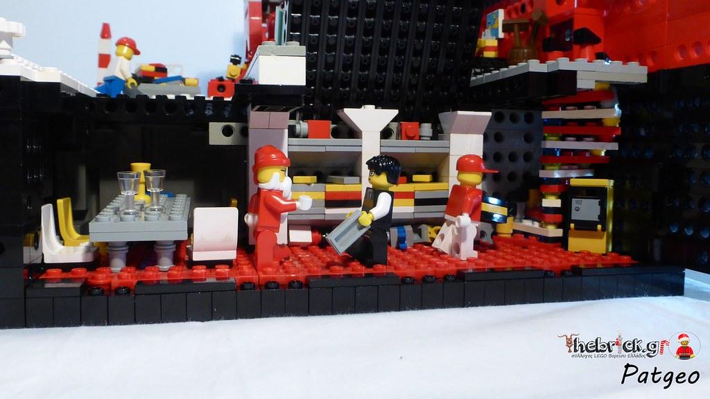 """[BuildtheBrick #2]: """"Santa's Workshop"""" 23551569751_3a7bd9cde4_b"""